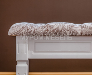 Здесь изображено Банкетка с каретной стяжкой (белая эмаль)