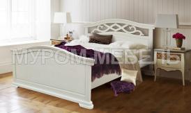 Здесь изображено Деревянная кровать Вирджиния